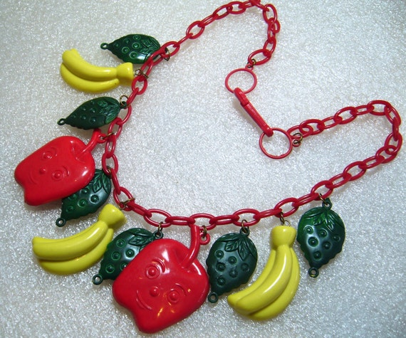 Vintage early plastic apples, bananas & strawberr… - image 3
