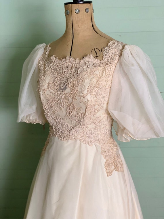 1950's Fairy Tale Puff Sleeves Wedding Dress