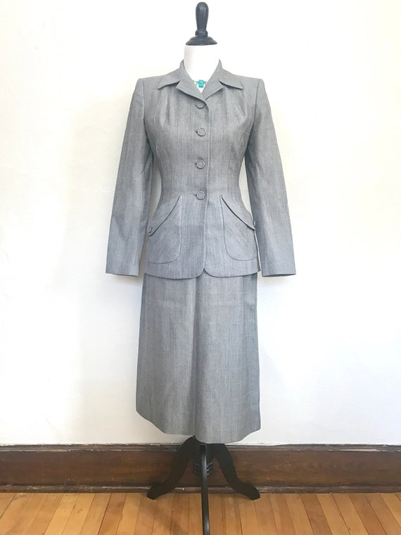 Vintage 1940s/Early 1950s Womens Gray Suit // Grey
