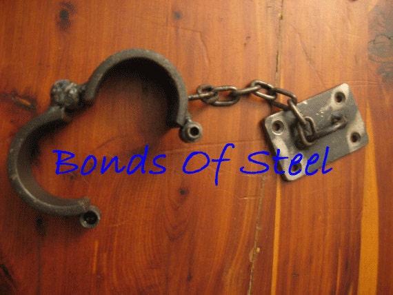 Locking Hands to Thighs Cuffs slave Leg Handcuffs Wrist Straps Restraint System