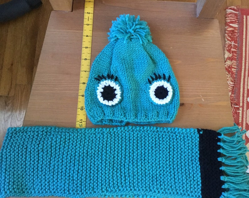 hand knit baby cloth gift under 10 Christmas gift ideas baby winter fashion baby hat fingerless hand warmer set