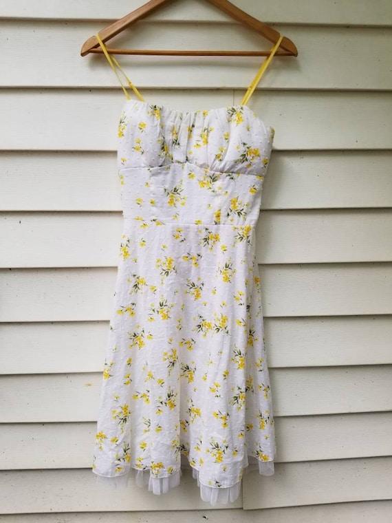 Yellow flower print dress vintage floral print lace dress womens size 7 white cotton dress