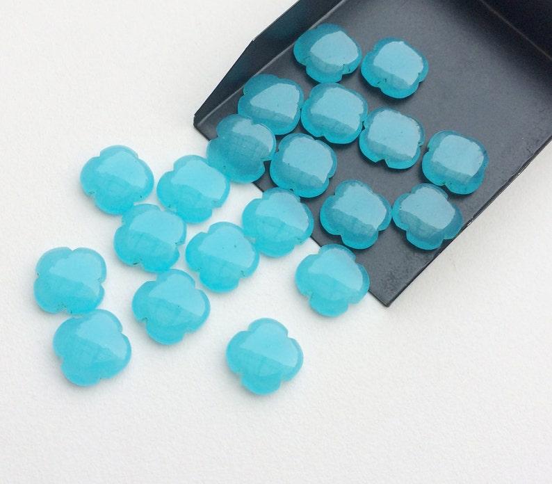 KS3194 Flat Plain Stones 5 Pcs Blue Chalcedony Fancy Floral Cabochons Blue Chalcedony Clover Shape Loose Blue Floral Gems 15mm
