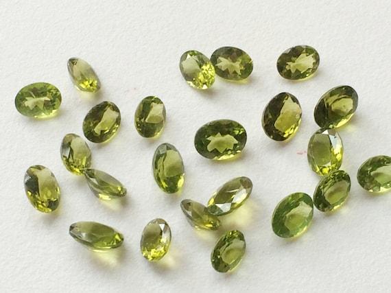 Vente en gros gros gros de 16 pièces, 9 Lot de Cabochon de Ctw péridot, ovale coupé péridot à facettes, perles en vrac péridot 8-9mm, perles vertes 149a76
