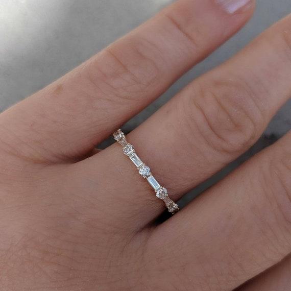 Or Jaune Finition Baguette Simulé Diamant éternité Empilable silver ring