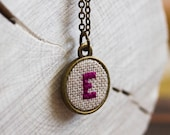 Cute initial necklace in vintage style, personalized, custom color i003