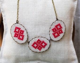 Cross stitch halsketting - casual textiel ketting n010