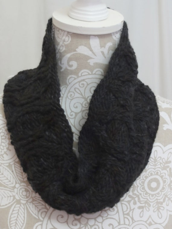 Black cabled cowl