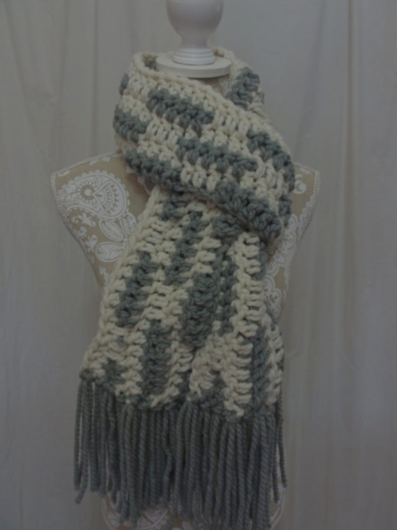 Ivory and grey chunky fringed scarf