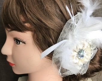 Bridal Hair Accessory // Vintage Style Wedding Hair Clip with Feathers and Gems