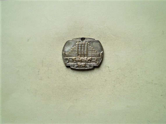 Vintage Belgian 1935 Medal - Brussels Internationa