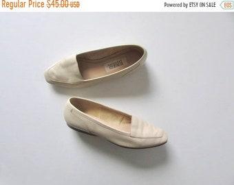 SALE vintage cream leather slip-on shoes