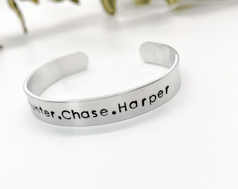 Name Bracelet, Childs Name Bracelet, Grandma Bracelet, Mom Bracelet, Bracelet for Mom, Baptism Gift, Baby Shower Gift, Custom Bangle