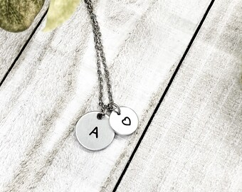 Initial necklace, Mothers necklace, Disc Necklace, minimalist necklace, minimalist jewelry, gift for mom, personalized necklace
