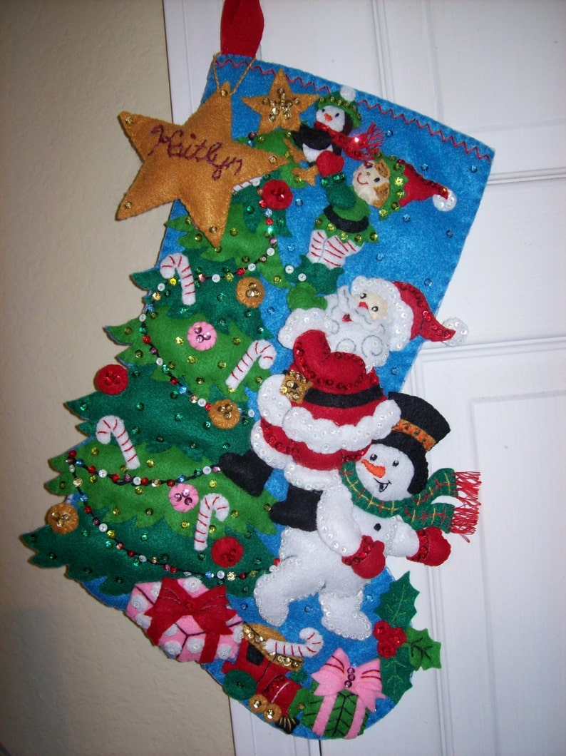 Bucilla18 Felt Stocking  THE FINISHING TOUCH Santa/'s Helpers Elf/'s and Snowman