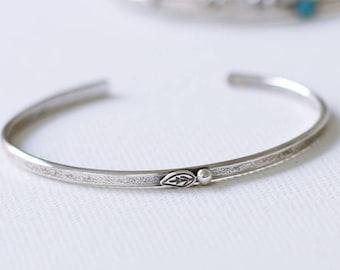Leaf Sterling Silver Cuff Bracelet, Modern Rustic Silver Cuff Bracelet, Nature Inspired Bracelet, leaf and bud cuff