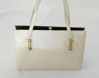 25d444b919 Vintage 60 s Mastercraft Embossed Leather Kelly Bag