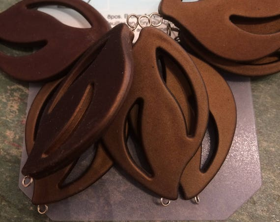Acrylic leaf shape brown 45mm with removable eyepin link 8 pieces