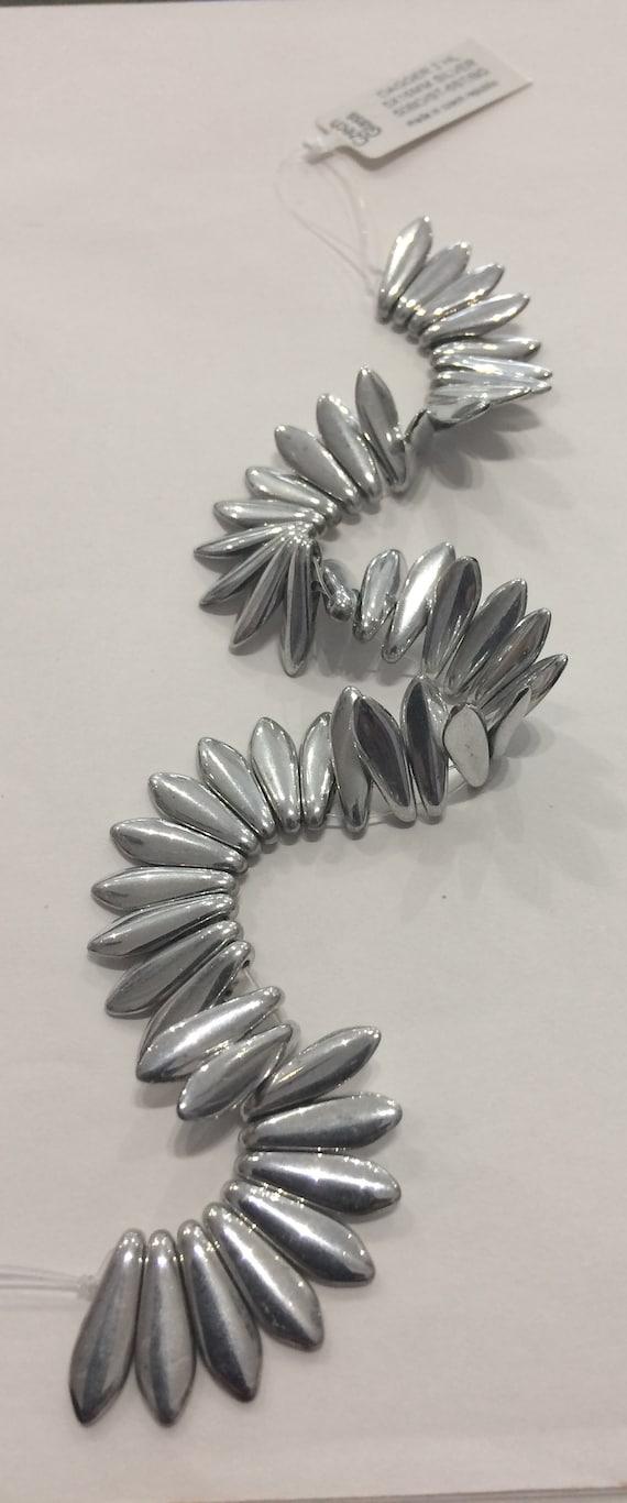 2 hole Dagger beads Czech Glass silver colour 50 beads