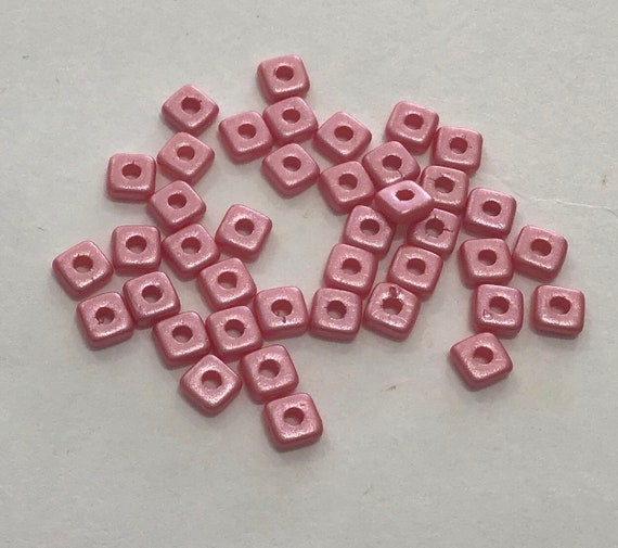 Czech Quad Beads Pastel Light Coral 5g (approx 110 beads)