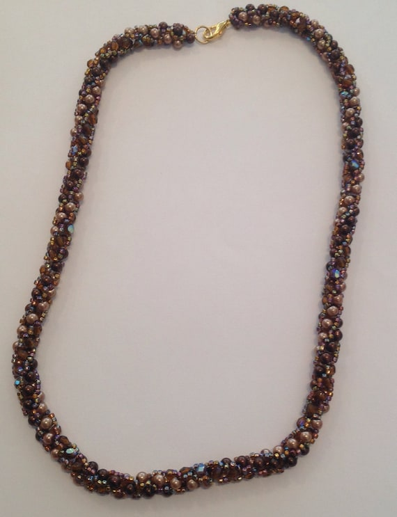 Pearly Spiral Necklace Kit