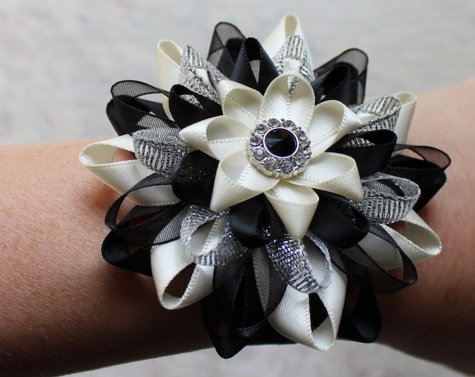 Flowers for Wedding, Wedding Flower Corsage, Prom Wrist Corsage, Wrist Flower, Bridesmaid Gift Ideas, Black, Ivory, Silver