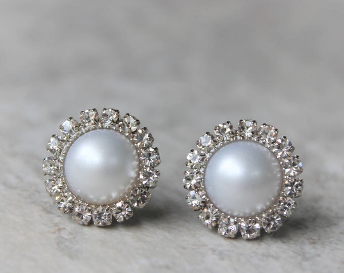 White Pearl Earrings, Pearl Bridesmaid Earrings, Bridal Earrings, Wedding Jewelry, Pearl Bridesmaid Jewelry, White Pearls