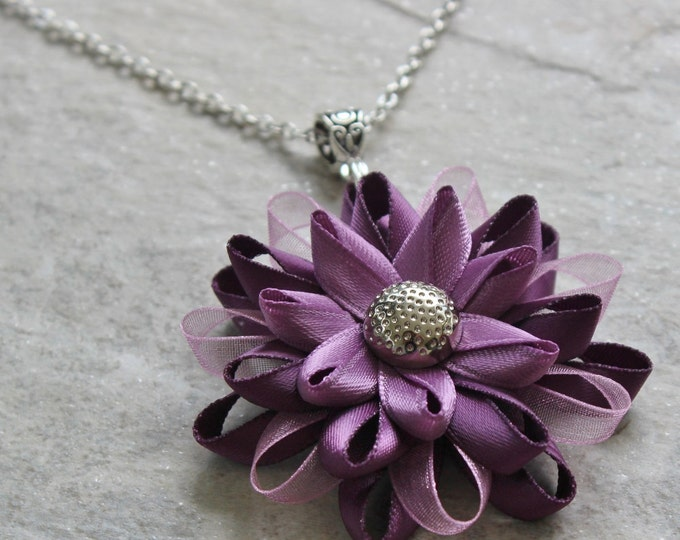 Purple Necklace, Purple Pendant Necklace, Purple Gifts, Plum Necklace, Purple Flowers, Purple Flower Necklace, Amethyst, Purple Jewelry