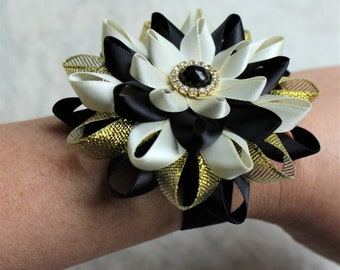Bridesmaid Corsages, Black and Ivory Wedding Corsages, Corsage Flower, Ivory, Black Gold Wedding Flowers, Corsages for Mothers, Bridesmaids