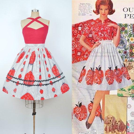 Vintage 50s Novelty Print STRAWBERRY Skirt / 1950s