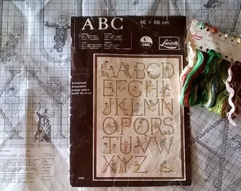KIT/ Kate Greenaway Alphabet Sampler