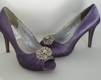f9526368abab Lilac Wedding Shoes Lilac Bridal Shoes 100 Colors Available Lilac  Bridesmaid Shoes Vintage Inspired Design Purple Wedding Shoes
