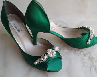 6c9ef5cb666 Emerald Green Bridal Shoes Emerald Green Wedding Shoes with Pearls and  Crystals or PICK FROM 100 COLORS Bridesmaid Shoes