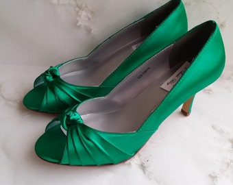 d10df83ec73 Emerald Green Wedding Shoes Emerald Green Bridal Shoes Emerald Green  Bridesmaid Shoes PICK FROM 100 COLORS Bridesmaid Shoes