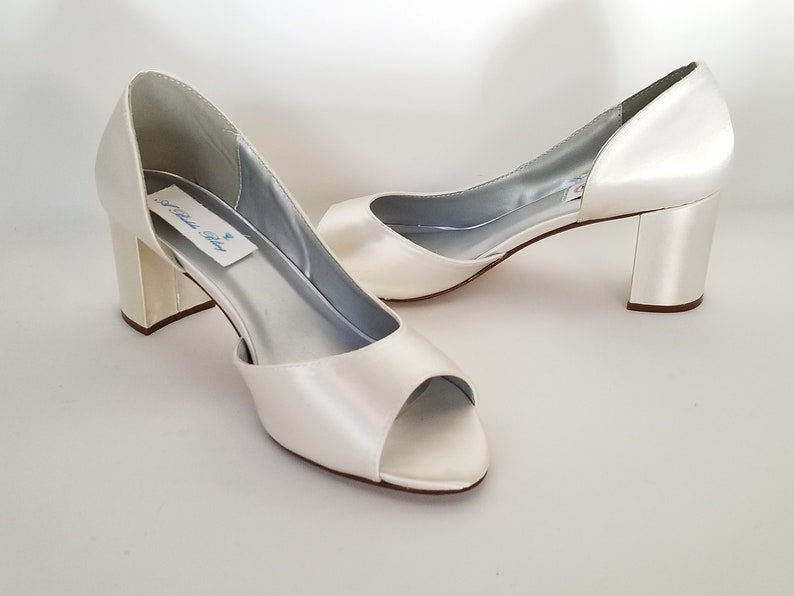 e276d171553 Ivory Wedding Shoes Block Heel Ivory Bridal Shoes Chunky Heel