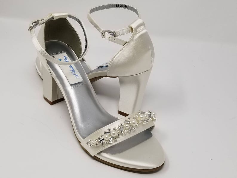 28a2c736399765 Chunky Heels Ivory Bridal Sandals Pearl and Rhinestone Design