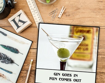 Magnet - Gin goes in / Fun comes out - Funny fridge magnet ~ Alcohol Gin Lover Gift