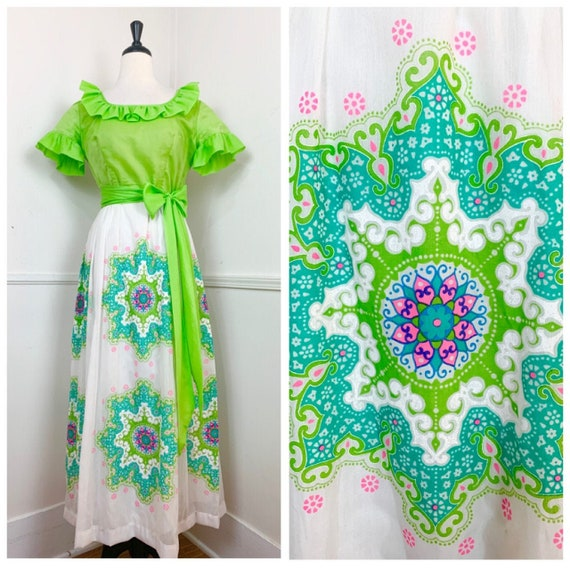 1970's Vintage Alfred Shaheen Lime Green and White