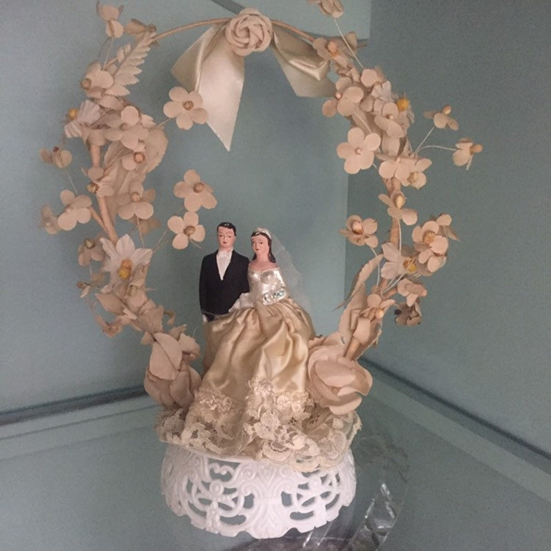 Vintage 1950s Chalkware Bride And Groom Wedding Cake Topper Mid Century Mr And Mrs Cake Accessory