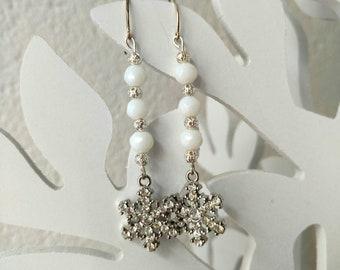 winter earrings, christmas earrings, boho earrings, snowflake earrings, white earrings, boho chic earrings, silver earrings