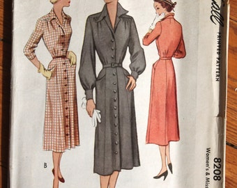 1950 McCall's 8208  Sewing Pattern Tailored Day Dress Bust 30