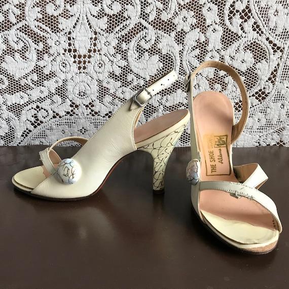 Vintage 1940s 1950s Hand Painted High Heel Open T… - image 1