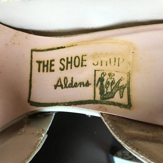 Vintage 1940s 1950s Hand Painted High Heel Open T… - image 5