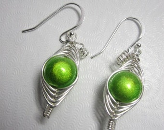 A Single Sweet Pea in the Pod Earrings (You pick your color)