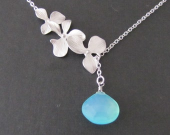 Flowers cascade and blue chalcedony lariat in white gold