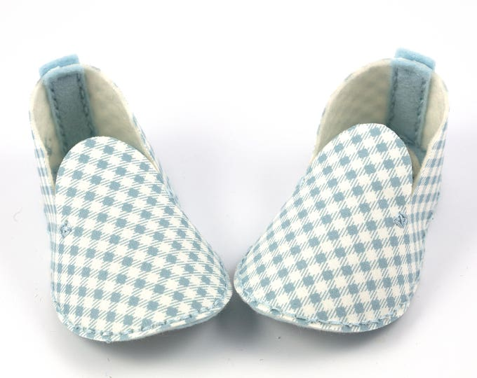 Blue Infant Booties, Baby Shoes Modern Baby, Unique Baby Gift, Pastel Blue, Gift Box, Baby Shower Gift, Baby Boy, Baby Girl, Checkered