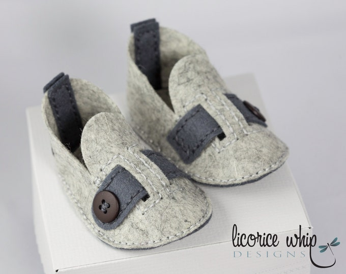 Gray Baby Boy Shoes, Cute Baby Boy Shoes, Wool Felt, Soft Crib Shoes, Gray Heather, Unique Baby Gift, Baby Gift Box, Baby Shower Gift