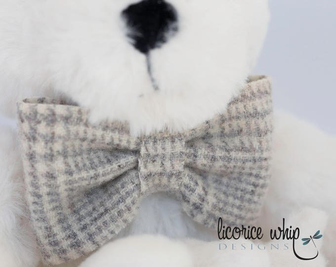 Gray Plaid Baby Bow Tie, Infant Bow Tie, Newborn Bow Tie, Trendy Baby Clothes, Christening Outfit, Baptism Outfit, Little Man Bow Tie
