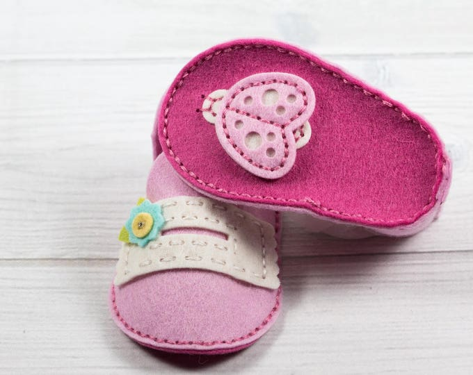 Baby Booties — Hand Stitched - Unique Baby Gift - Pink - Ladybug - Matching custom Box - 100% Wool Felt