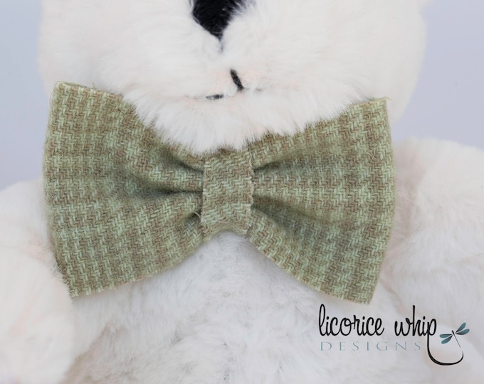 Green Plaid Bow Tie - Infant Bow Tie - Baby Boy Bow Tie - Toddler - Child Bow Tie - Wool Felt - Hook and Loop Closure - Special Occasion